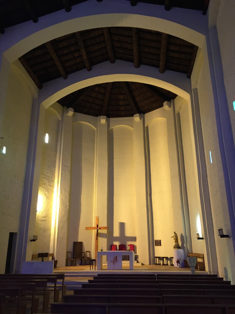 altar church of port grimaud