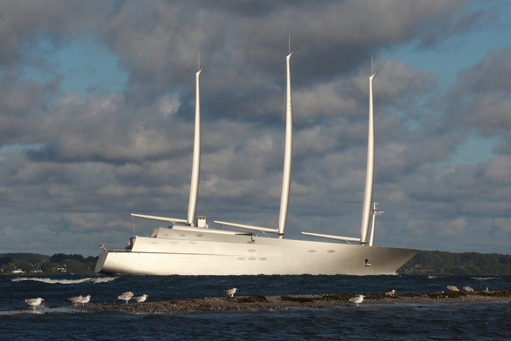Sailing-Yacht-A