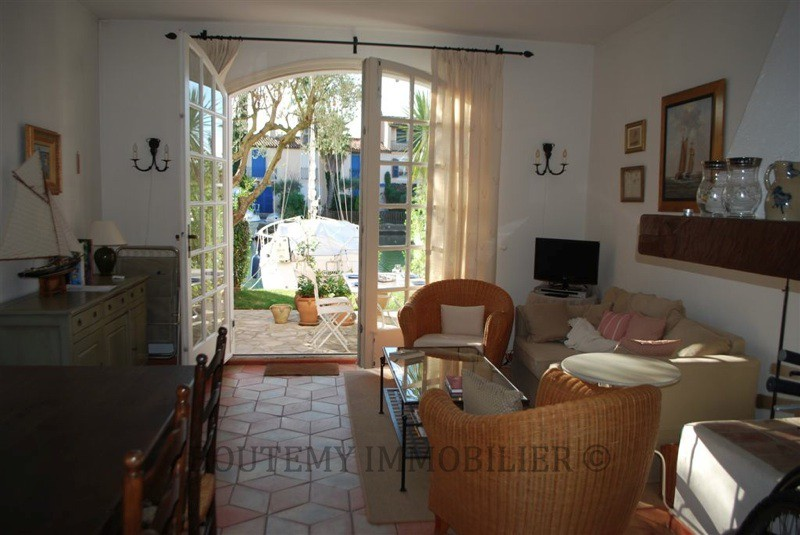 villa-with-HVAC-8-people-Grimaud